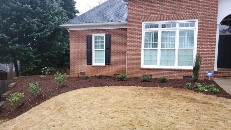 Landscaping Tips To Help Sell Your Mauldin, SC Home